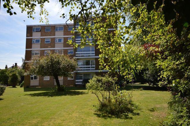 Thumbnail Flat to rent in Shirley Road, Wallington