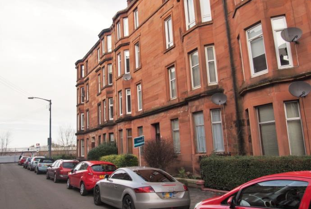 Thumbnail Flat to rent in 60 Bolton Drive Glasgow, Lanarkshire, 9Dr