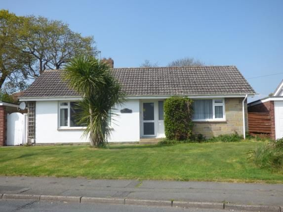 3 bed bungalow for sale in Crossfield Avenue, Cowes
