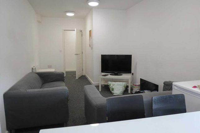 Thumbnail Flat to rent in Holdenhurst Road, Bournemouth, Lansdowne