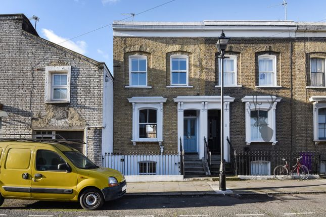 Thumbnail Terraced house for sale in Ellesmere Road, Bow
