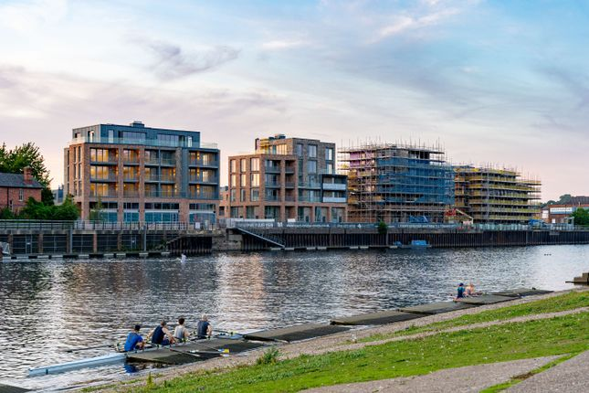1 bed flat for sale in Trent Bridge View, Nottingham NG2