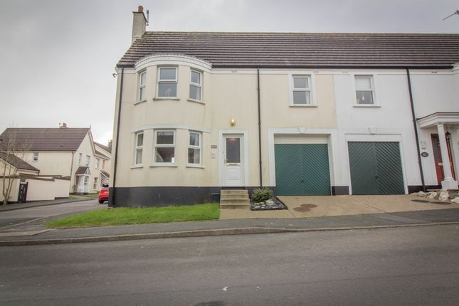 3 bed town house for sale in Lakeside Road, Douglas