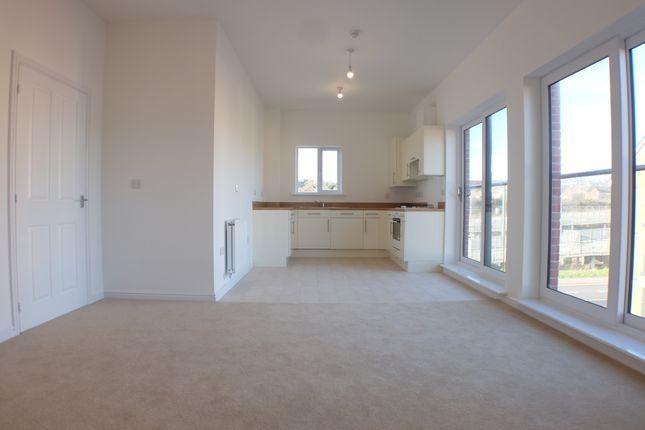 Thumbnail Flat to rent in 18 Golwg Y Garreg Wen, Swansea