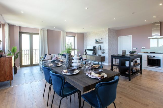Thumbnail Flat for sale in Gallions Point, London
