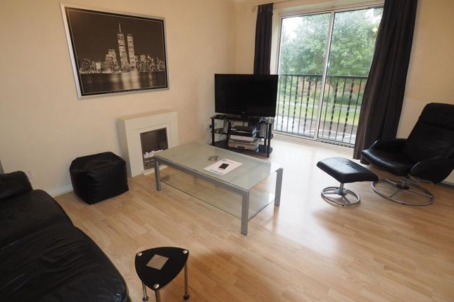 Thumbnail Flat for sale in Galleon Court, Victoria Dock, Hull