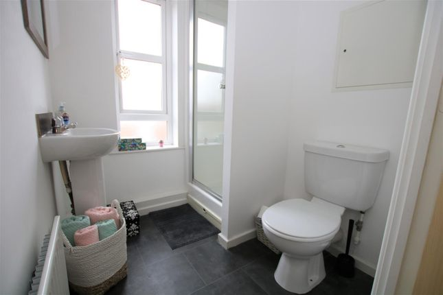 Shower Room of Pitcairn Avenue, Lincoln LN2