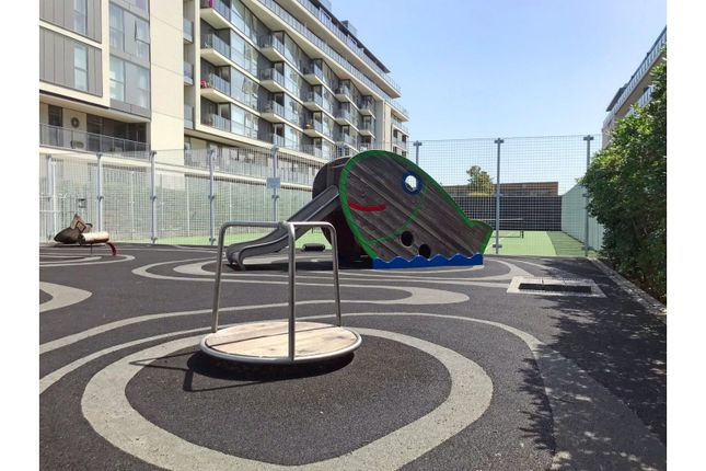 Play Area of 30 River Gardens Walk, Greenwich SE10
