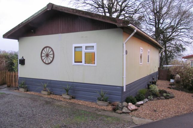 Thumbnail Mobile/park home for sale in Honicombe Park (Ref 5806), Callington, Cornwall
