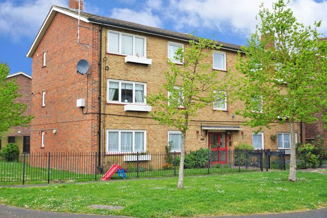Flat for sale in Broom Square, Southsea