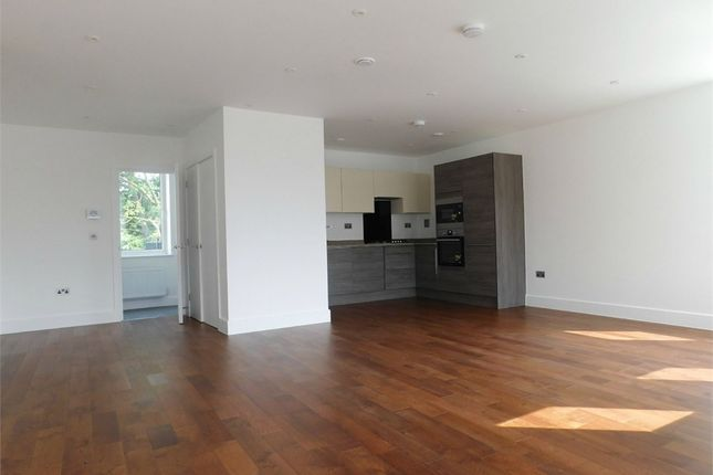 Thumbnail Flat to rent in South Road Off The Broadway, Southall, Middlesex