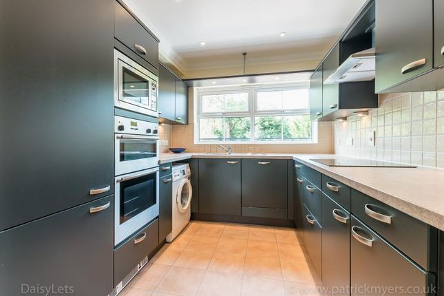 Thumbnail Town house to rent in Hayes Grove, East Dulwich
