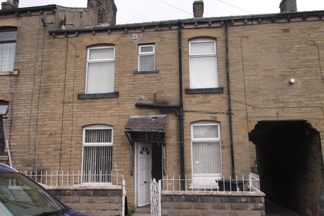 Thumbnail Terraced house to rent in St Leonards Road, Bradford