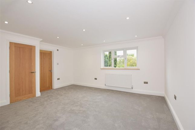 Town Road Cliffe Woods Rochester Kent Me3 4 Bedroom