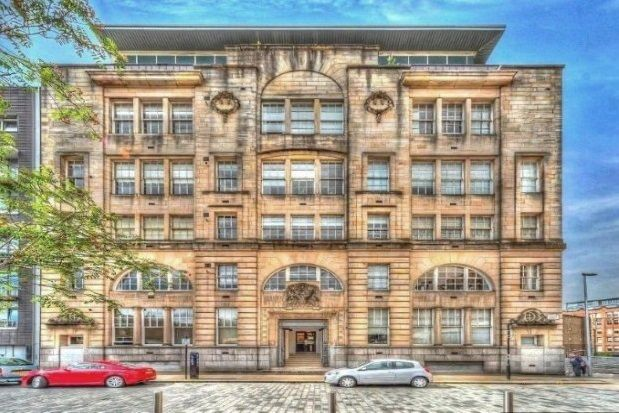 Thumbnail Flat to rent in College Street, Glasgow