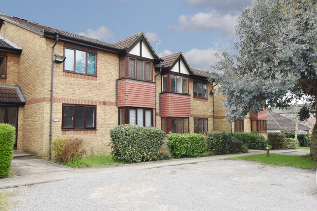 Thumbnail Flat for sale in Off College Road, Abbots Langley