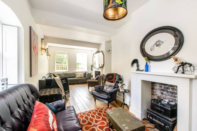 Thumbnail Flat to rent in Lutton Terrace, Hampstead