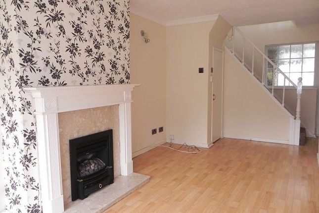 Thumbnail Semi-detached house to rent in 63 Highcliffe Road, Two Gates, Tamworth