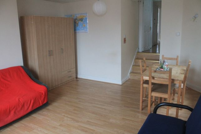 Thumbnail Shared accommodation to rent in Cresent Road, Alexandra Palace, London