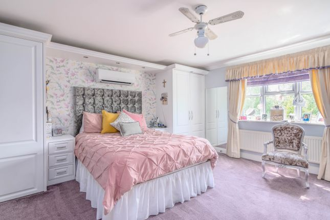 Thumbnail Detached house for sale in Deer Park Way, Waltham Abbey