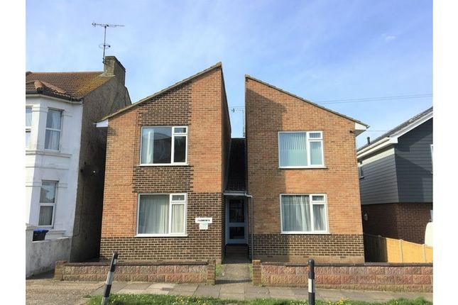 Thumbnail Flat to rent in Roberts Road, Lancing
