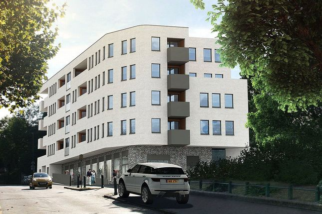 Flat for sale in Beaumont Road, London