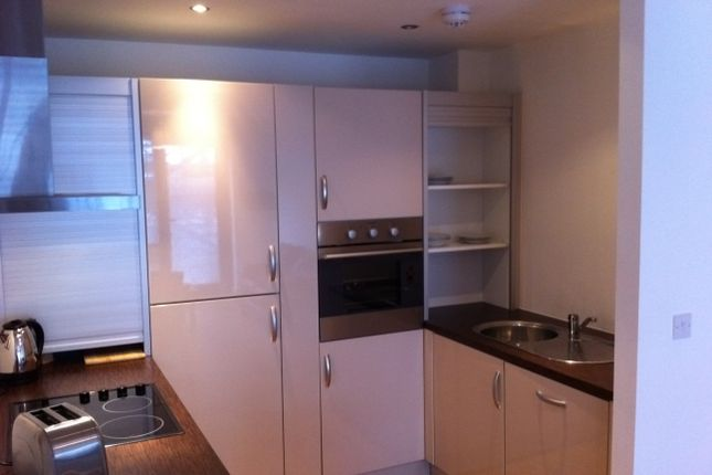 1 bed flat to rent in 14 Plaza Boulevard, Sefton Street, Liverpool L8