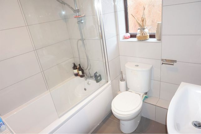 Bathroom of Blackthorn Place, Sketty SA2