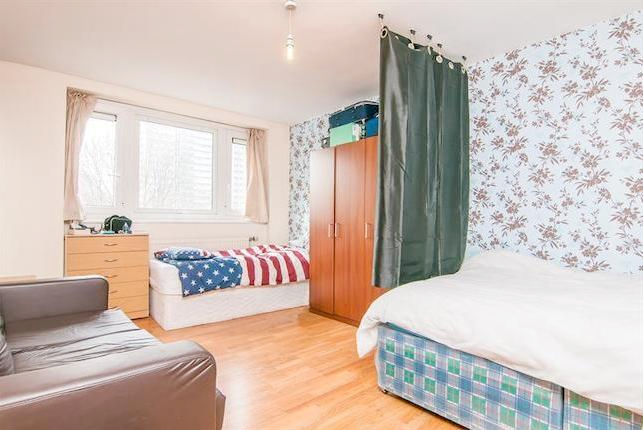 Thumbnail Flat to rent in Central Street, London
