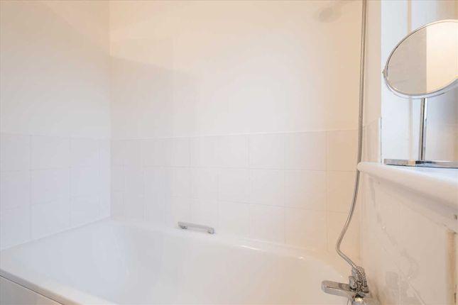 Bathroom (3) of Maclean Square, Kinning Park, Glasgow G51