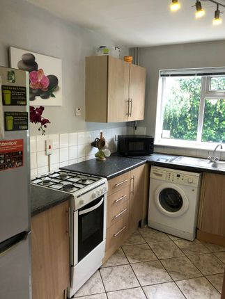 Communal Kitchen of Birrell Road, Nottingham NG7