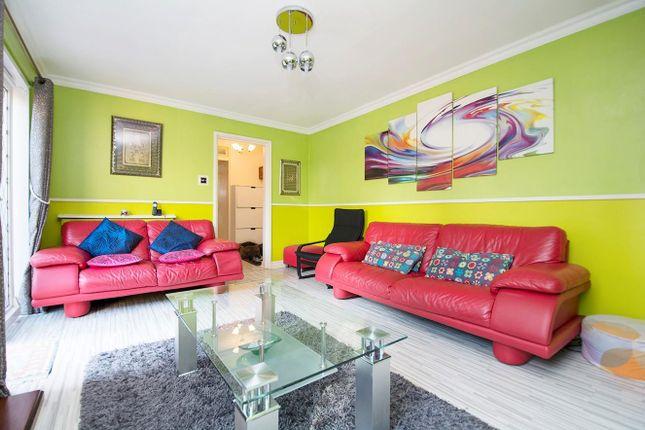 Thumbnail Flat for sale in Cobden Close, Cowley, Uxbridge
