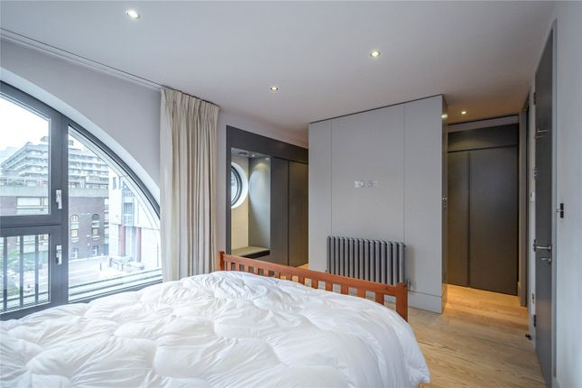 Picture 16 of Monkwell Square, London EC2Y