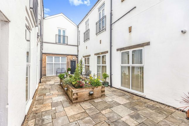 Thumbnail Flat for sale in New Lane, Selby