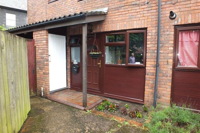 Thumbnail Maisonette to rent in Marshall Drive, Hayes, Middlesex