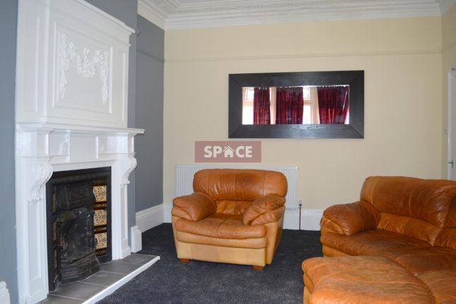 Thumbnail Terraced house to rent in Regent Park Avenue, Leeds