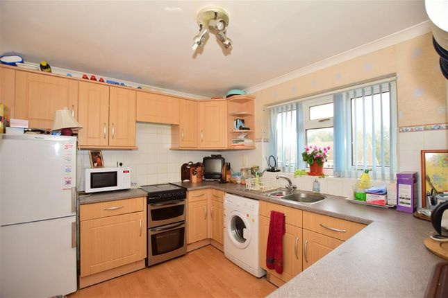Thumbnail Maisonette for sale in Wray Close, Ashurst Wood, West Sussex