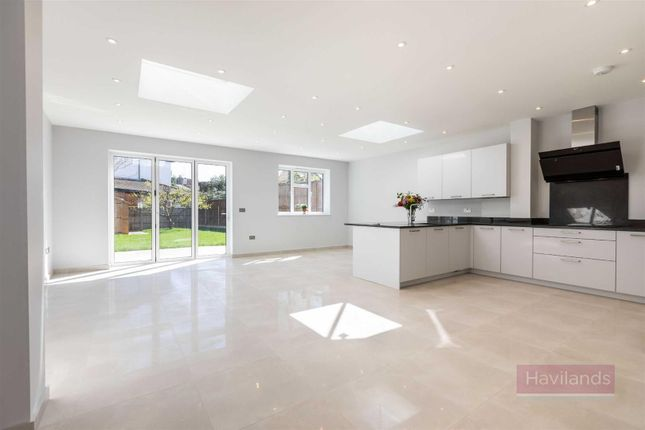 Thumbnail Semi-detached house for sale in Greenway, London