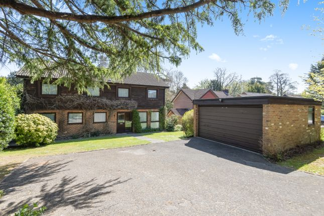 Thumbnail Detached house for sale in Hamblewood, Botley, Southampton