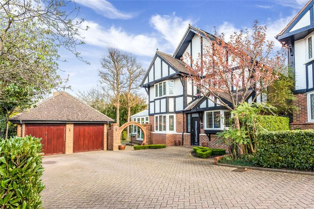 Thumbnail Detached house for sale in Chiltern Close, Bushey, Hertfordshire