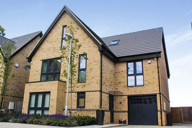 Thumbnail Town house for sale in Marchment Square, Peterborough
