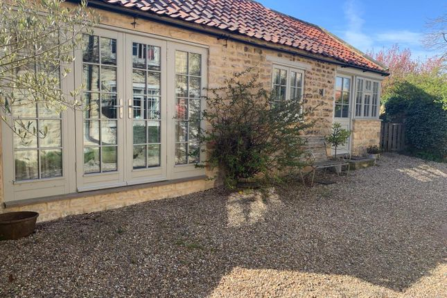 Thumbnail Flat to rent in Annexe, Fishers Yard, Main Street, Westow, York
