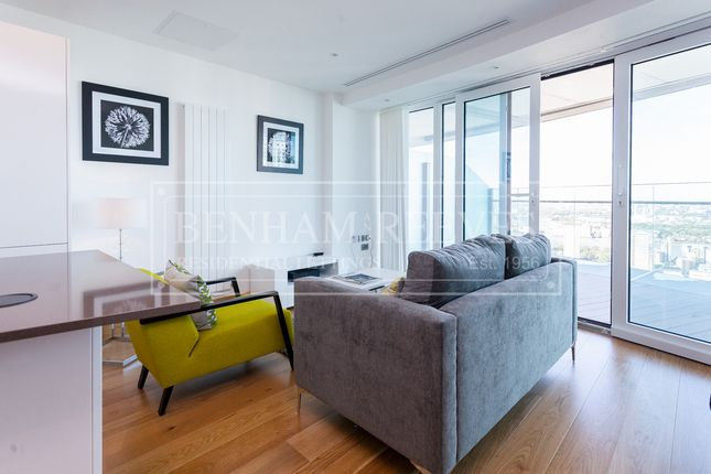 2 bed flat to rent in Crossharbour Plaza, Canary Wharf