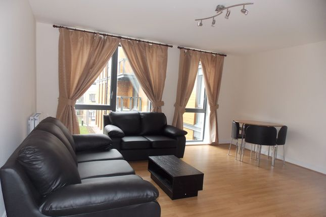 2 bed flat to rent in Crawford Court, Colindale