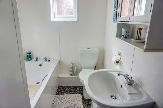 Bathroom of Colvile Road, Wisbech PE13