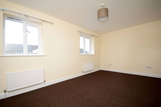 Thumbnail Property to rent in Grimsby Grove, Gallions Reach