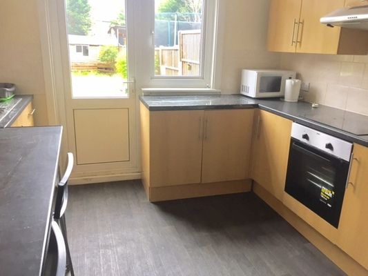Thumbnail Property to rent in Bowes Road, London