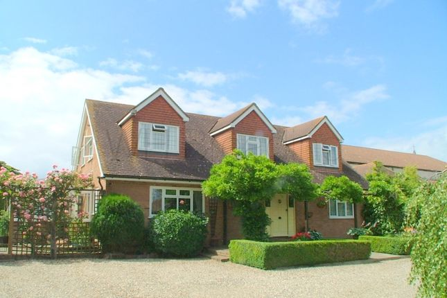 3 bed cottage for sale in Syndale Park, Faversham