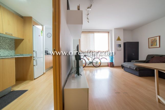 Thumbnail Apartment for sale in La Havana, Mataró, Spain
