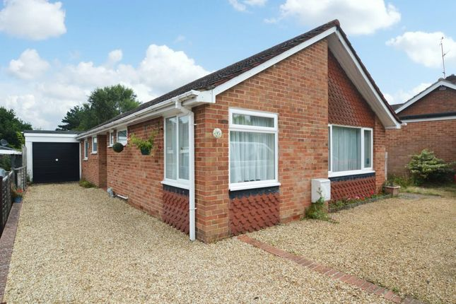 Thumbnail Bungalow for sale in Windsor Ride, Finchampstead